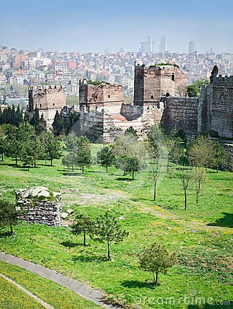 Free Ancient Walls Of Constantinople Royalty Free Stock Photos - 24530648