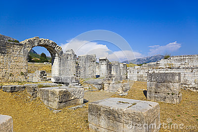 Anfiteatro antiguo en la fractura Croatia