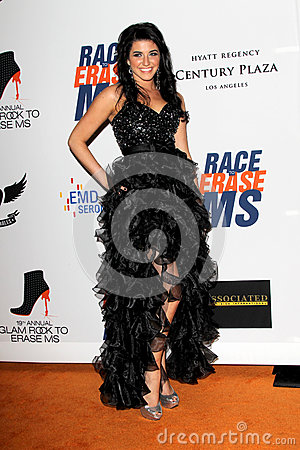 Angelica Salem arrives at the 19th Annual Race to Erase MS gala Editorial Stock Image