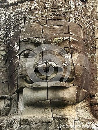 Angkor смотрит на