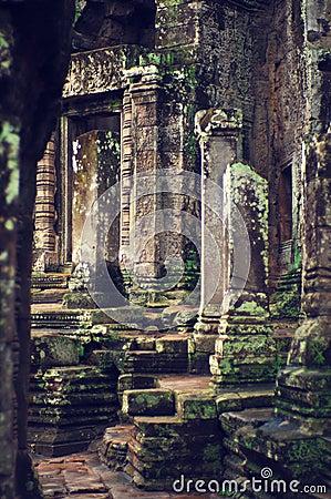 Angkor Wat (Bayon Temple)