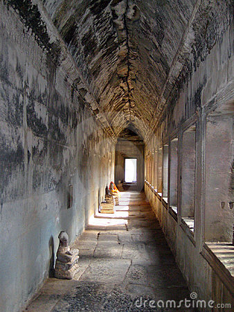 Free Angkor Wat Headless Buddha Stock Images - 9529794