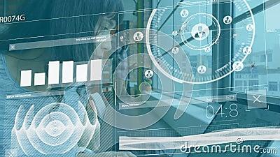 Animacja biznesmenki przy użyciu komputera przenośnego z przetwarzaniem danych finansowych zdjęcie wideo