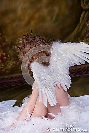 Anioł chłopiec mała