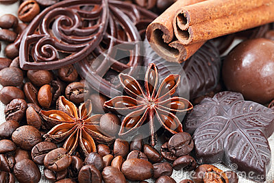 Anise, cinnamon, chocolate and coffee beans