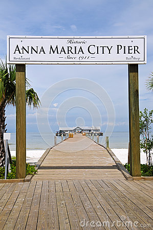 Free Anna Maria City Pier Stock Image - 28223041