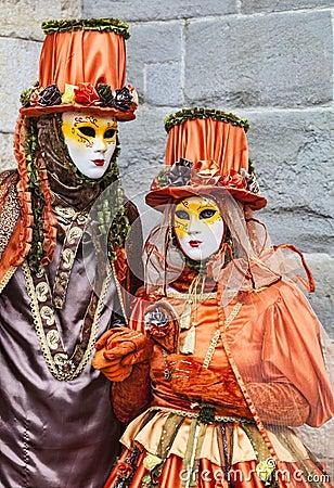 Couples déguisés Image stock éditorial