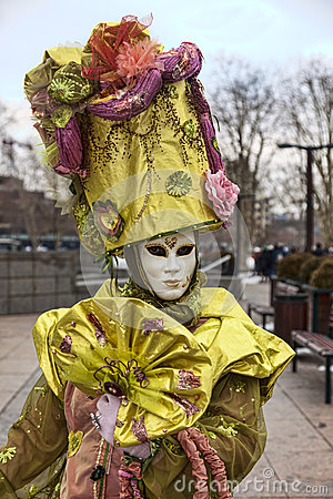 Retrato de una persona disfrazada Imagen editorial