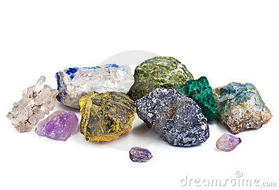 Ansammlung Mineralien getrennt