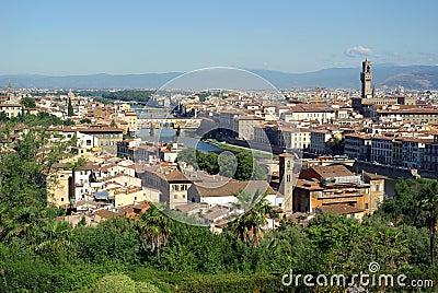 Florenz firenze mit dem ponte vecchio und der fluss arno italien