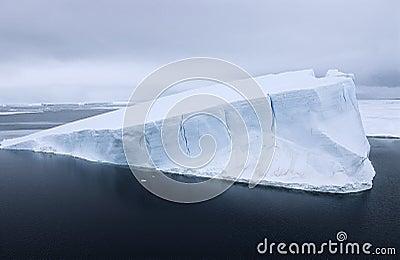 Antarctica Weddell morza góra lodowa