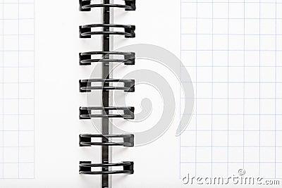 Anteckningsbok med svart tråd