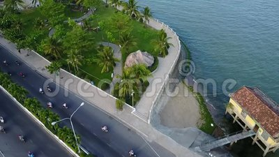 Antena do mar do barco da ponte da cidade de Nha Trang vídeos de arquivo