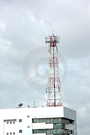Antenna array telephone on Roof Building.