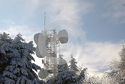 Antennas for telecommunications in winter