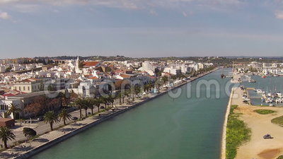 antenne vom fluss und von der stadt lagos portugal stock footage video 51216808. Black Bedroom Furniture Sets. Home Design Ideas