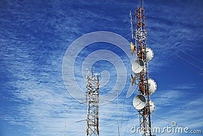 Anteny komunikaci telefonu wierza