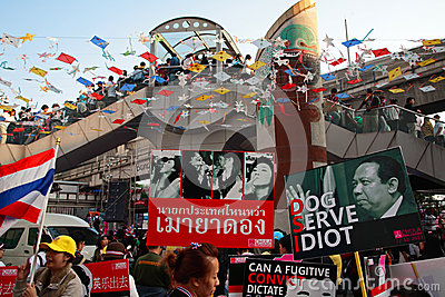 Anti governement plates to expel Yingluck Editorial Photography