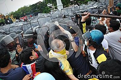 Anti-Government samla i Bangkok Redaktionell Foto