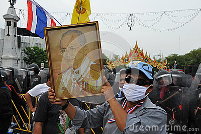 Anti-Government samla i Bangkok Redaktionell Arkivfoto