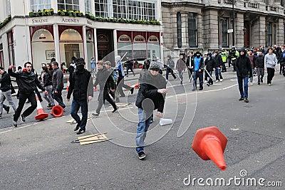 Anti snittlondon protest Redaktionell Arkivfoto