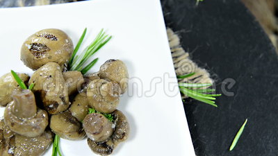 Antipasto (funghi, non loopable) stock footage