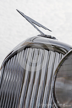 Free Antique Automobile Grille And Hood Ornament. Royalty Free Stock Photos - 69840378