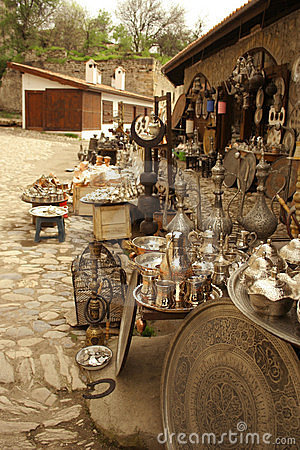 Free Antique Bazaar At Street Royalty Free Stock Photos - 4997568