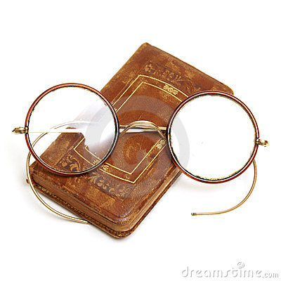 Free Antique Book And Spectacles Royalty Free Stock Photos - 23387768