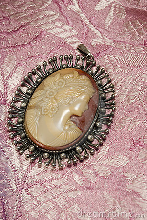 Free Antique Cameo Stock Images - 15332004