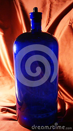 Free Antique Cobalt Blue Apothecary Bottle Royalty Free Stock Image - 95650336