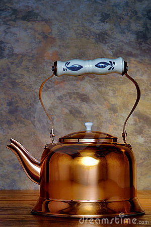 Free Antique Copper Boiling Kettle With Ceramic Handle Stock Photo - 15584090