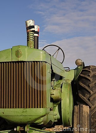 Free Antique Diesel Tractor Royalty Free Stock Photography - 516397