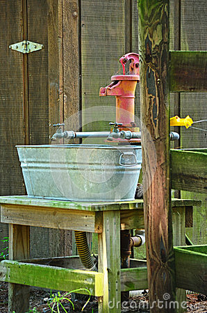 Antique Hand Water Pump Water Spigot Wash Pale