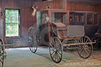 OLD HORSE DRAWN WAGONS | ROBERT KLUGMAN