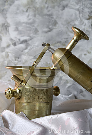 Free Antique Mortar And Grinder Stock Photography - 27711642