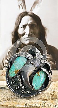 Free Antique Navajo Silver Bear Cuff. Royalty Free Stock Photo - 107819565