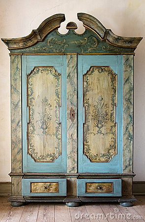 Free Antique Painted Cupboard Royalty Free Stock Image - 11209016