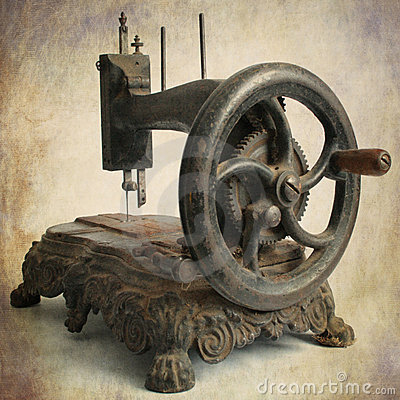 Free Antique Sewing Machine Royalty Free Stock Photography - 17373417