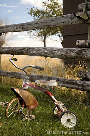 Free Antique Tricycle 2 Royalty Free Stock Photo - 1717015