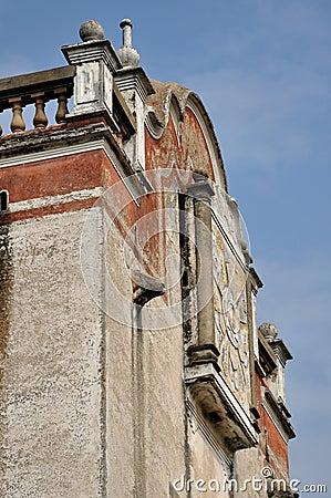 Antyczna porcelanowa militarna południowa wieża obserwacyjna