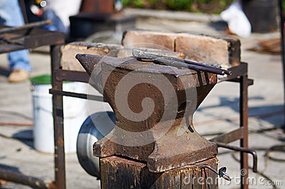 Anvil and tongs.