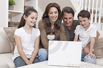 Använda för sofa för bärbar dator för datorfamilj lyckligt home