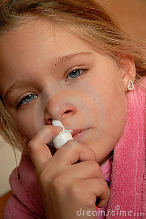 Använda för spray för flicka nasalt