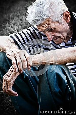 Anziano triste anziano dell uomo di depressione di concetto di età