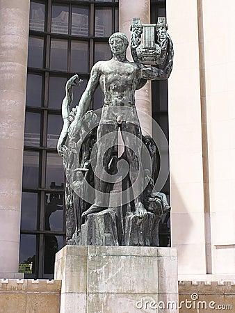 Apollon statue Paris