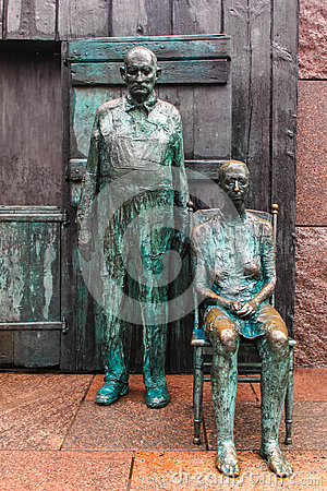 The Appalachian Farm Couple Sculpture, Roosevelt memorial