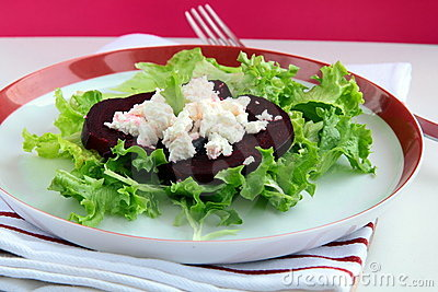 Appetizer salad of beets and goat cheese