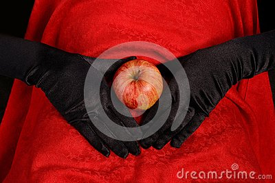 Apple on abdomen