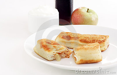 Apple blintzes